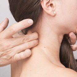 Nekklachten: Wat is het beste matras bij nekpijn?